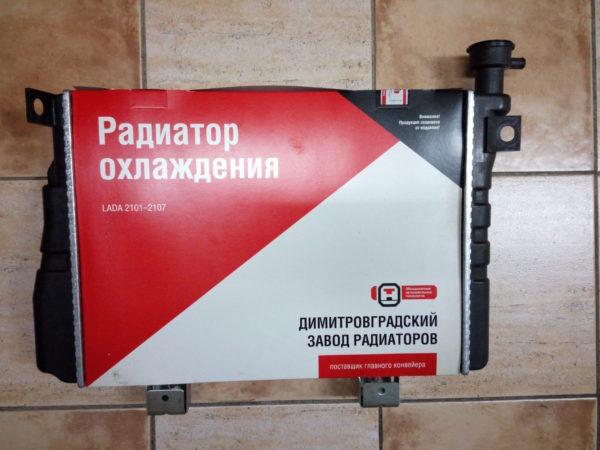 Радиатор охлаждения ВАЗ 2104-2107 инжектор ДААЗ