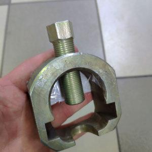 Съёмник наконечников рулевых тяг и шаровых опор ВАЗ 2108-2170, Ланос