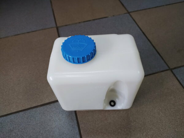 Бачок омывателя ВАЗ 2101-07, 21213 н.о. Пластик