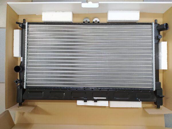 Радиатор охлаждения Lanos с кондиционером Лузар